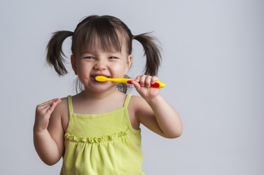 toddlers and teeth brushing battles